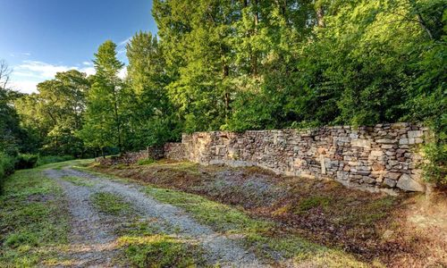 3061-dillard-rd-highlands-nc-road-coming-from-upper-lot