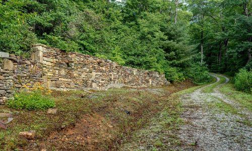 3061-dillard-rd-highlands-nc-rock-wall-to-upper-lot