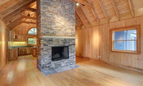 389-deer-run-highlands-nc-living-room-2