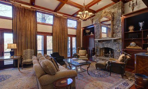 869-big-buck-road-highlands-nc-living-room-2