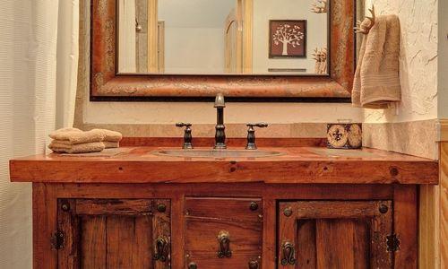 72-9B-chatterbox-way-sapphire-nc-bathroom-2