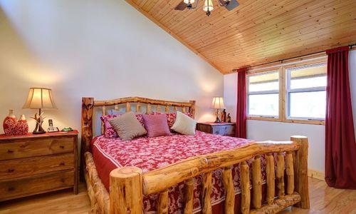 72-9b-chatterbox-way-sapphire-nc-bedroom-2