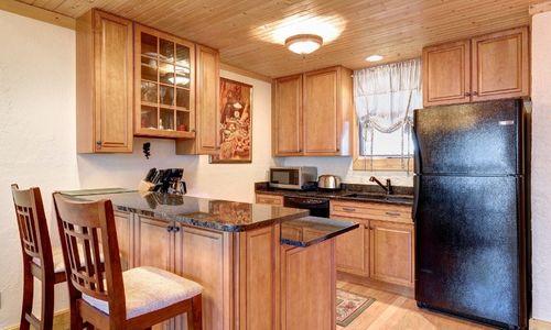 72-9B-chatterbox-way-sapphire-nc-kitchen