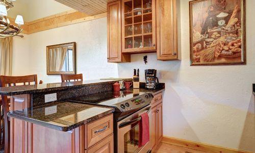 72-9B-chatterbox-way-sapphire-nc-kitchen-2