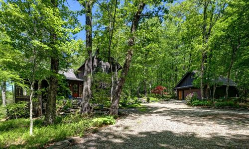 518-cotswold-way-highlands-nc-01