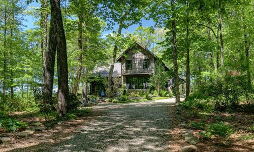 518-cotswold-way-highlands-nc-02