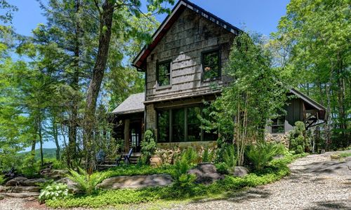 518-cotswold-way-highlands-nc-03