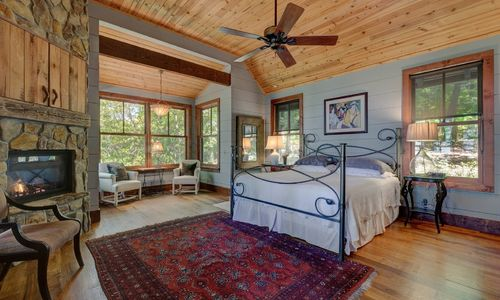 518-cotswold-way-highlands-nc-18