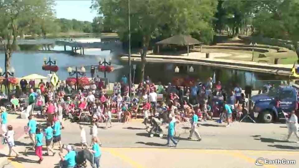 brighton mi webcam july 4 parade