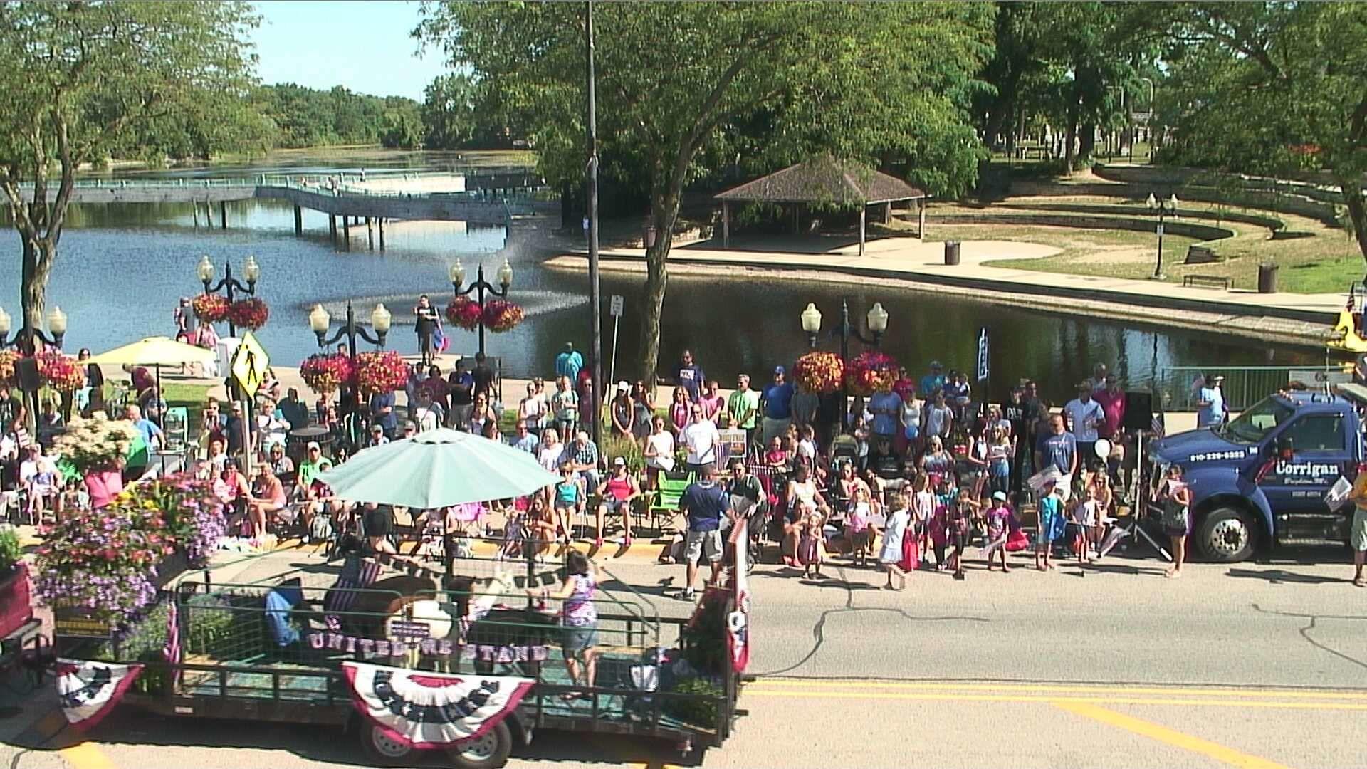 brighton mi webcam july 4 parade