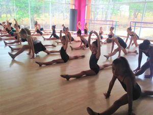 dance-evalution-week_easy-resize-com