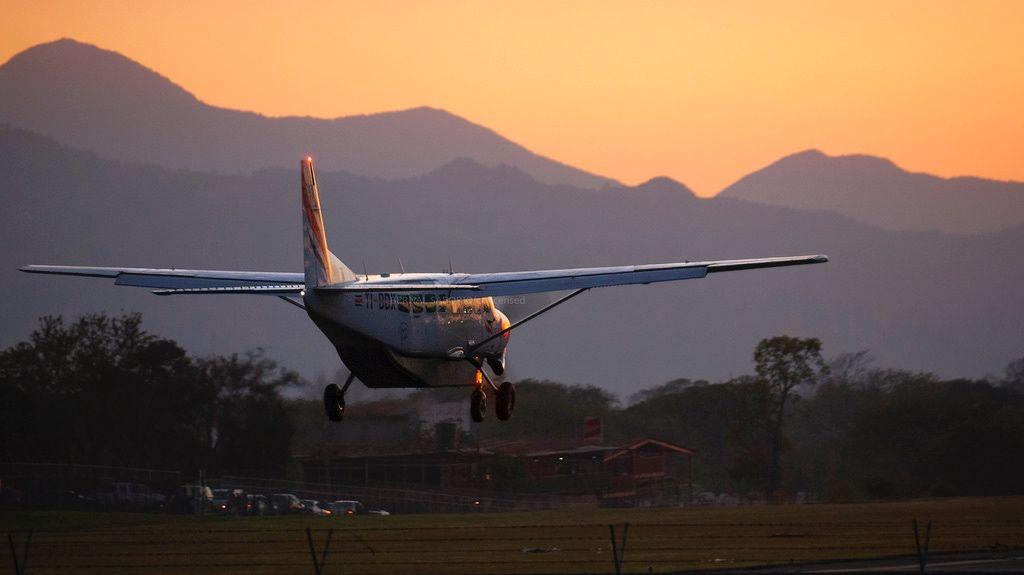 Sansa Airlines transportation in Costa Rica