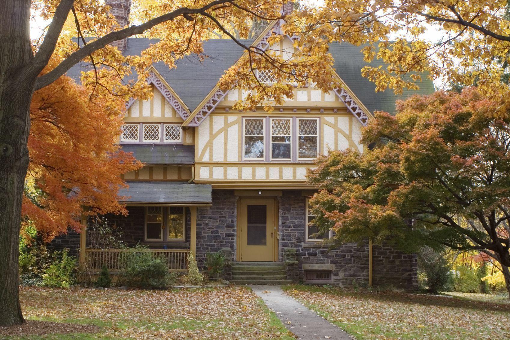 Suburban_house_autumn1