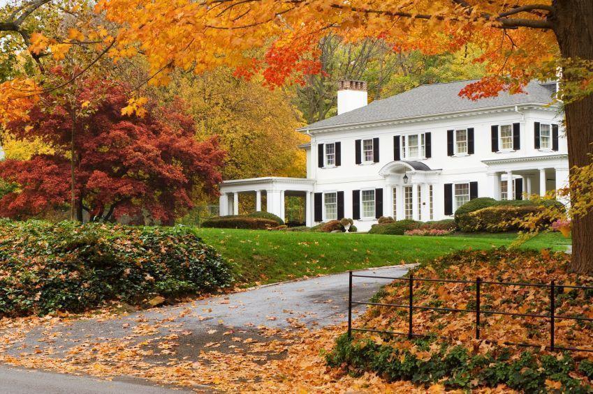 Suburban_house_autumn2