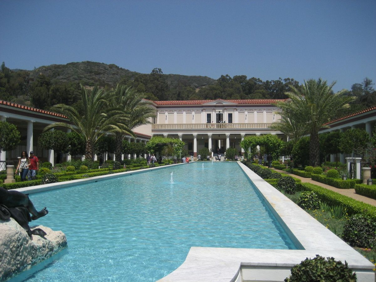 the getty villa The j paul getty museum, commonly referred to as the getty, is an art museum in california housed on two campuses: the getty center and getty villa.