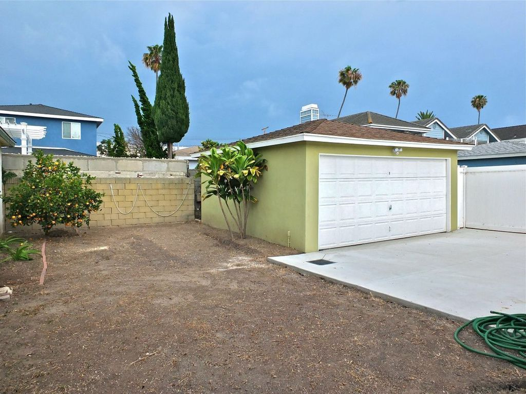 2840 S. Denison Ave., San Pedro CA