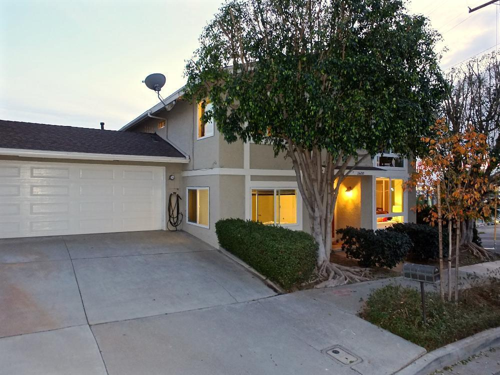 1600 CRESCENT HEIGHTS ST., SIGNAL HILL