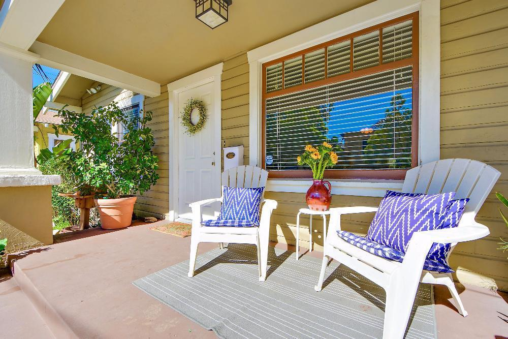 bungalow front porch