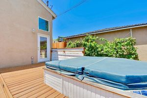 3922 Carfax Avenue, Long Beach, CA  90808