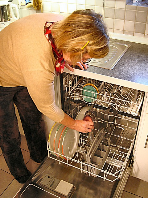 empty dishwasher before Thanksgiving