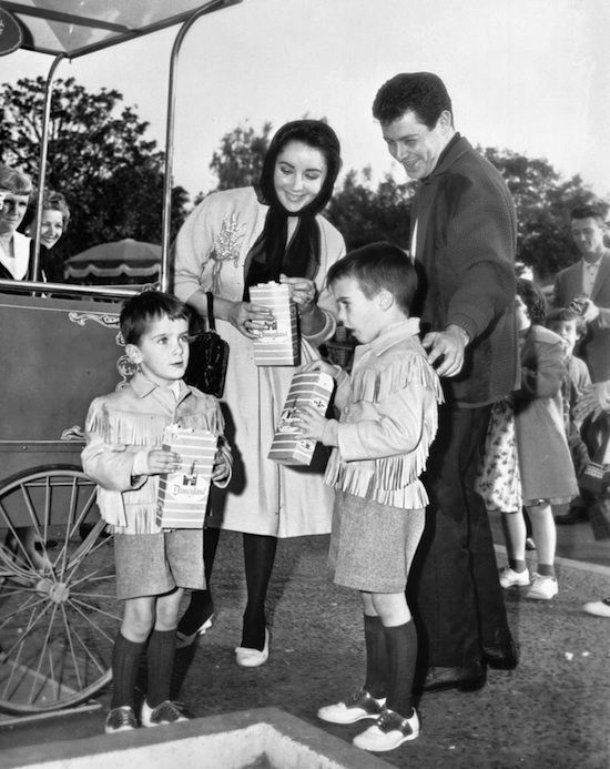 Vintage photo of Elizabeth Taylor and her family.