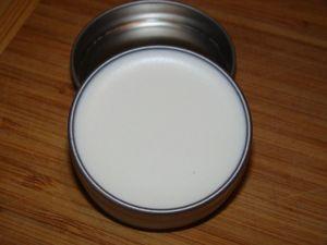 Homemade Sunscreen in a Tin