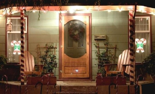 porch-with-lights-e1449272043778