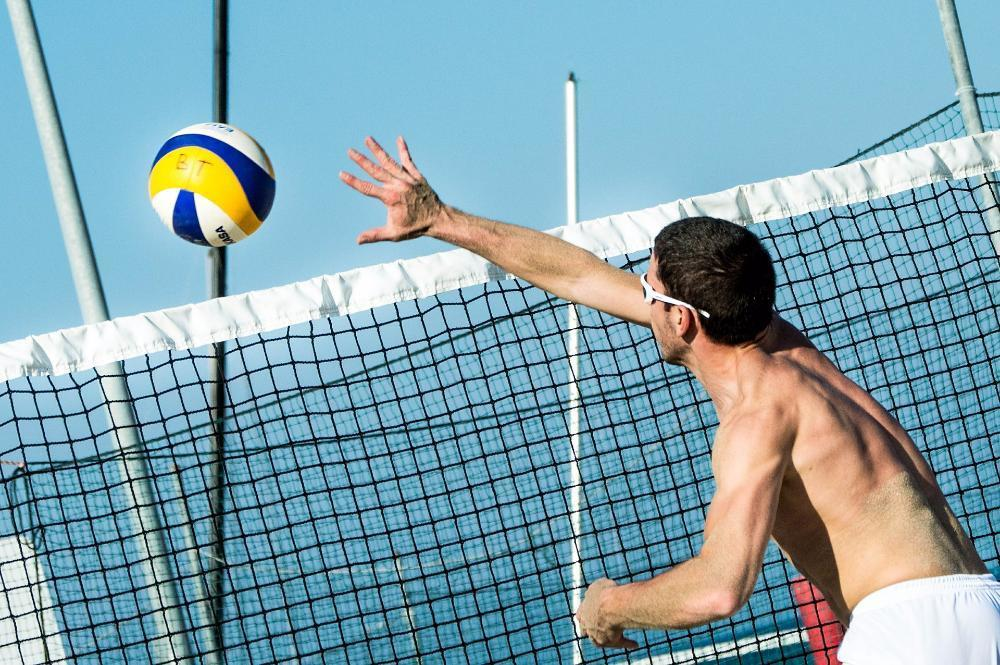 beach-volleyball-499984_1920