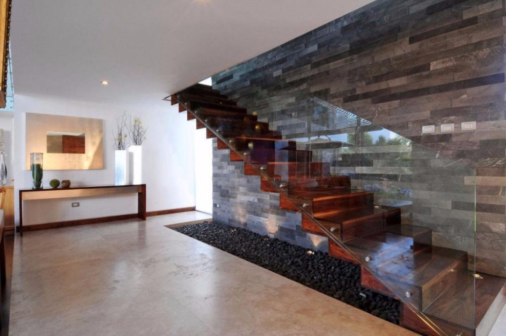 wood-and-glass-staircase-compressed-1024x680 (1)