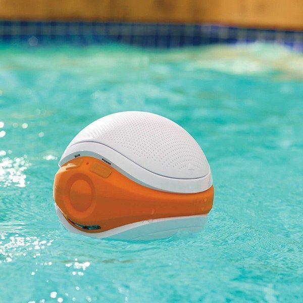dam-images-shopping-2014-08-summer-gadgets-cooling-summer-gadgets-13-isplash-floating-speakers