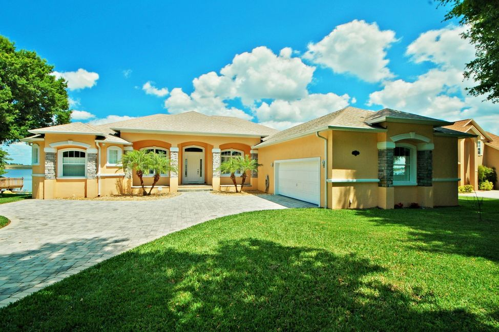 Auburndale lakefront homes for sale