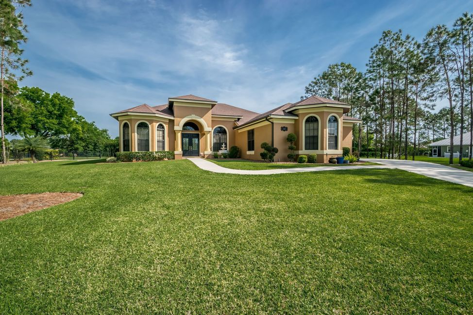 Homes for Sale in Auburndale