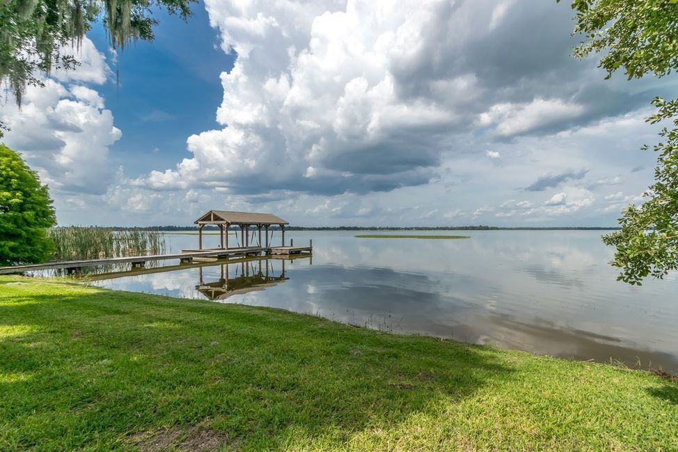 Homes for Sale on Lake Pierce Lake Wales FL