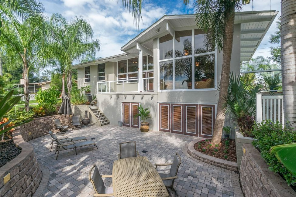 Mid Century Modern Home in Winter Haven Florida