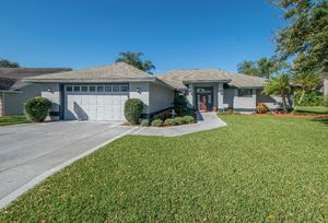 817 Carlton Ct - Winter Haven - 4BD/2.5BA Pool Home - Sold for $257,000