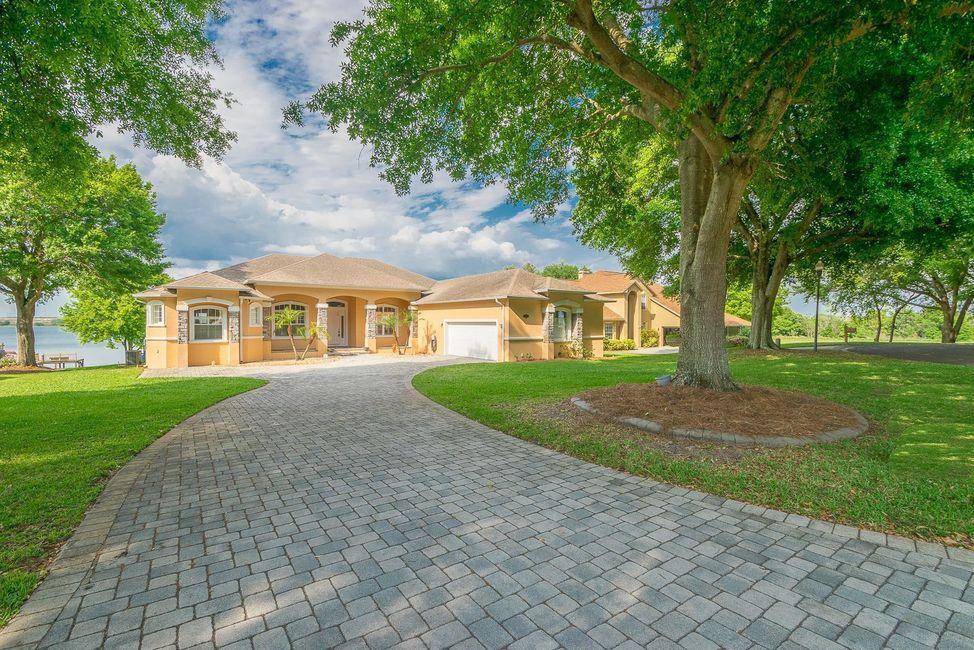Auburndale Lakefront Homes