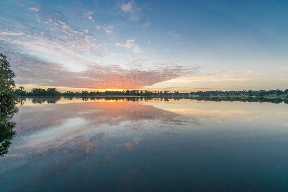 002_pristine-lake-florence