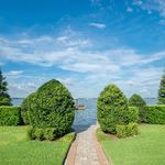 010_lakefront-landscaped-for-privacy