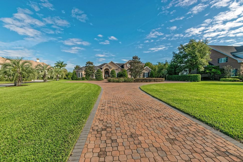 001_one-acre-lakefront-estate