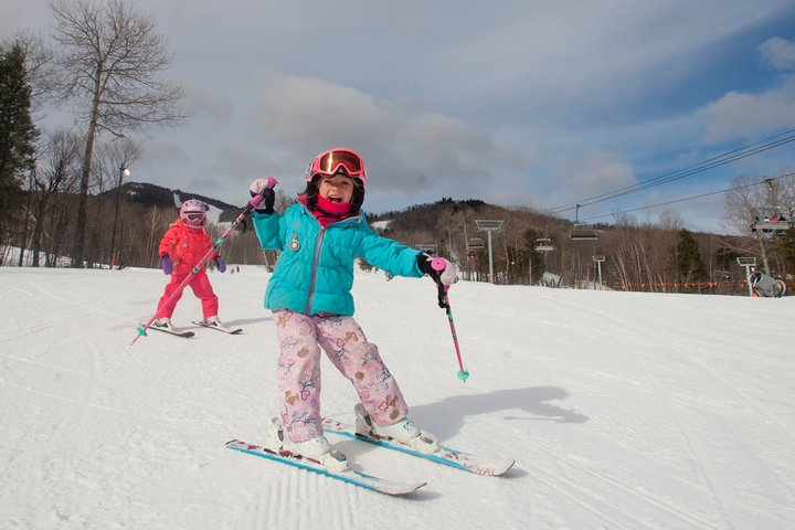 Kids skiing in South Ridge