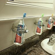 ball-jars-bathroom-organization