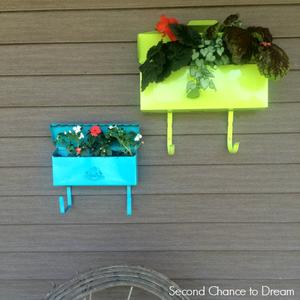second-chance-to-dream-mailbox-planter