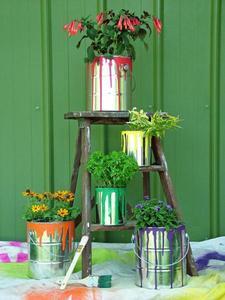 the-garden-glove-paint-can-planter