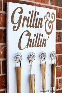 lil-luna-grill-set-holder
