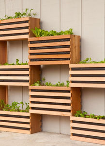 manmade-space-saving-vertical-vegetable-garden