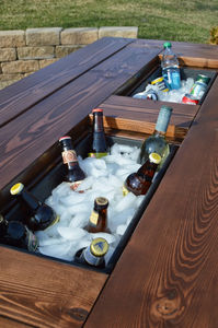 remodelaholic-kruse-patio-table-with-coolers