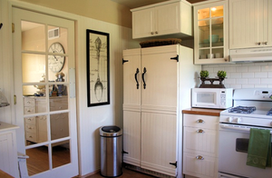 the-old-painted-cottage-beadboard-refrigerator