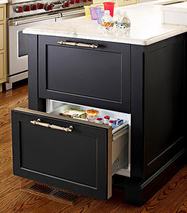 traditional-home-refrigerator-island-drawer