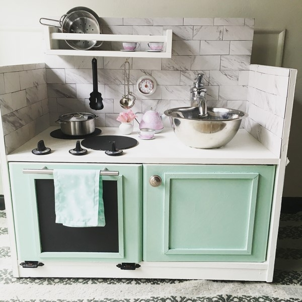 Entertainment Center Kitchen Set: 8 Trash To Treasure Projects