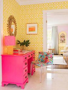 hot-pink-desk